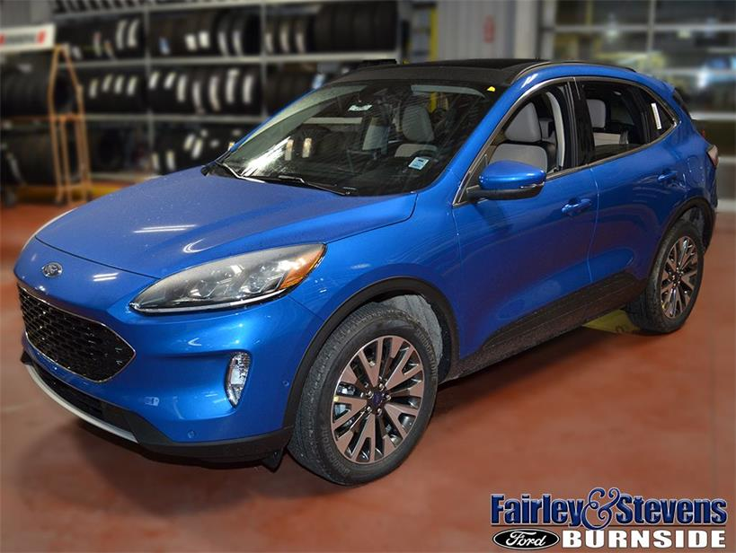 New 2020 Ford Escape Titanium 2042