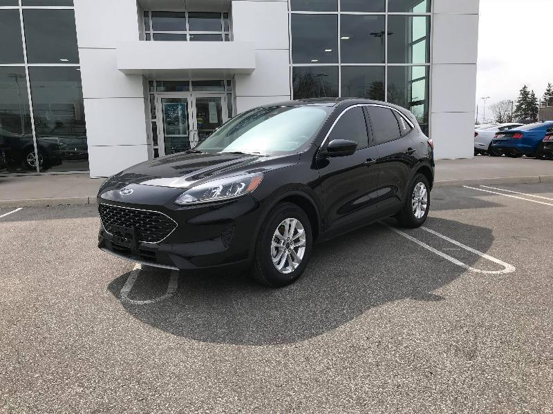 New 2020 Ford Escape SE UA42785