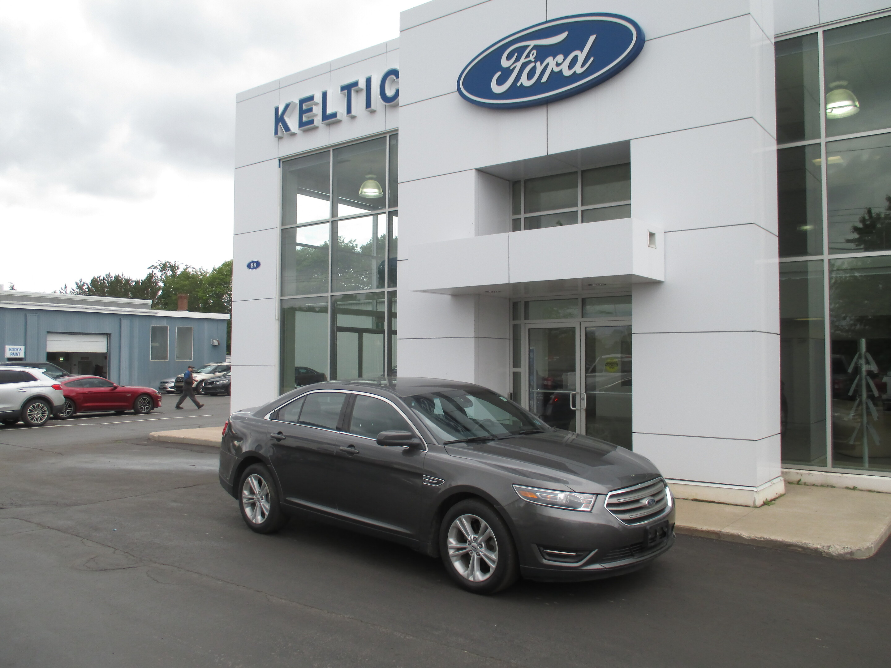 Used 2015 Ford Taurus SEL 137263A