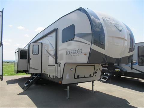 Looking for Fifth wheel Vehicles near Leisure Days