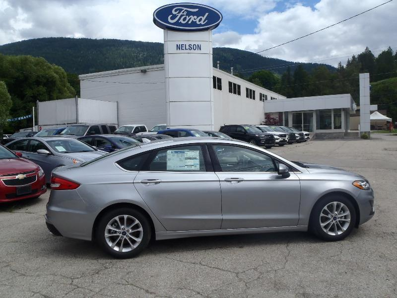 New 2020 Ford Fusion SE 20FN0443