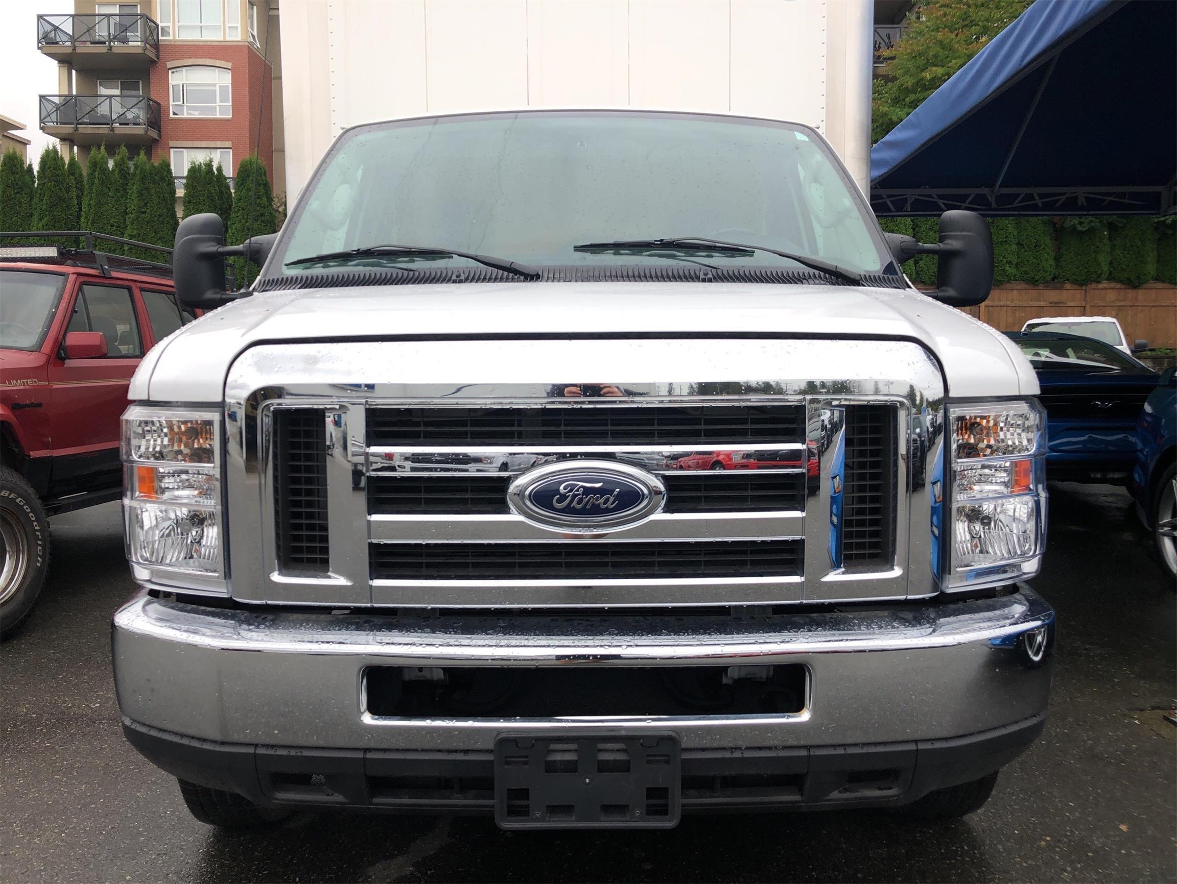 Used 2017 Ford Econoline-Commercial-Cutaway  U8476
