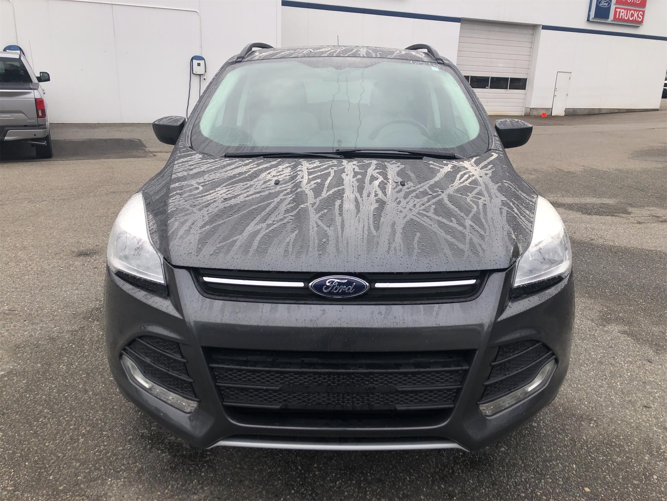 Used 2015 Ford Escape SE U8906