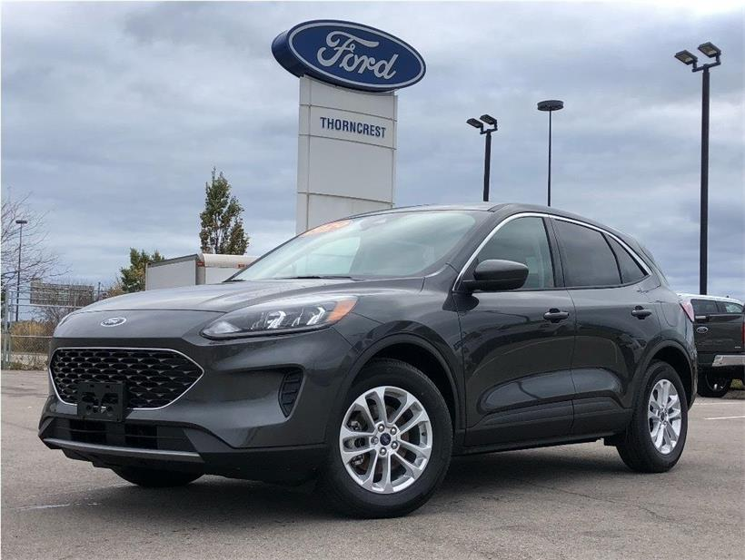 New 2020 Ford Escape SE Q749
