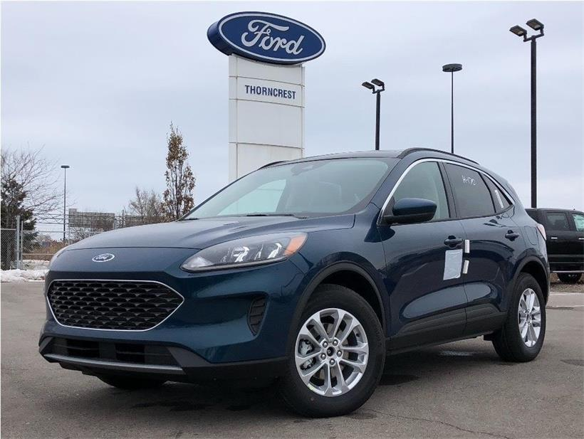 New 2020 Ford Escape SE Q932